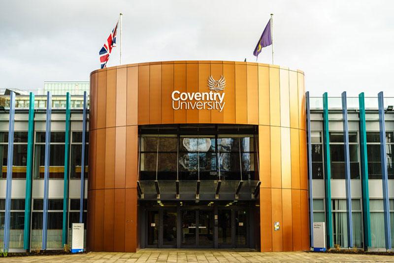 Trường-Coventry không yêu cầu Ielts