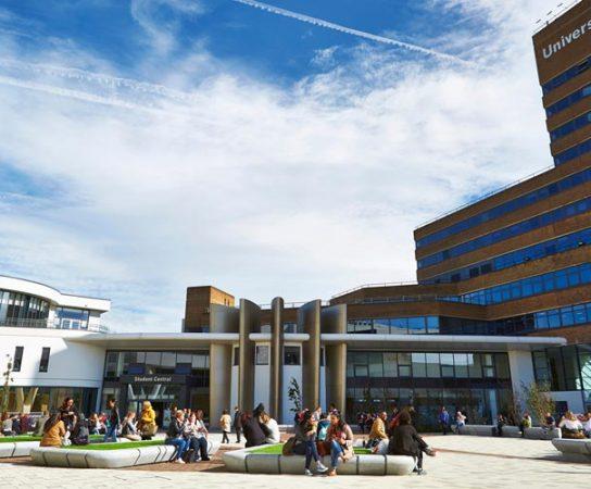 Trường University Of Huddersfield