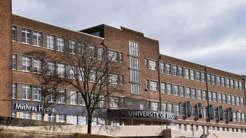University-of-Brighton không yêu cầu Ielts