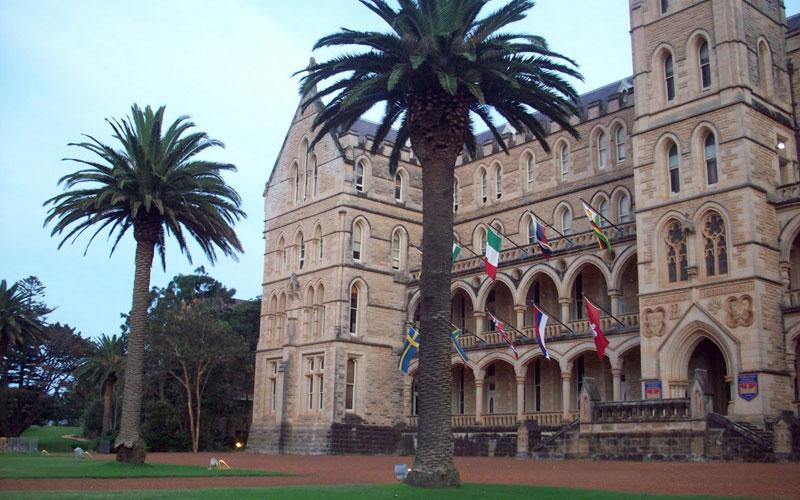 International College of Management, Sydney (ICMS)