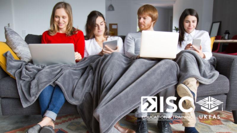 Ở nhà thuê bên ngoài cũng có thể là cơ hội để các bạn kết giao với nhiều người mới