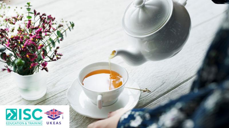 Một văn hóa khác của người Anh đó là hoạt động uống trà chiều (afternoon tea) rất phổ biến