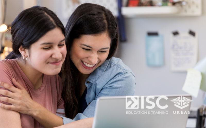 Đạt được học bổng du học Anh là một nguồn cổ vũ tinh thần lớn đối với nhiều bạn sinh viên