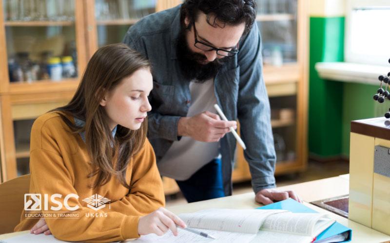 Nhiều học sinh, sinh viên gặp khó khăn khi viết Personal Statement xin học bổng