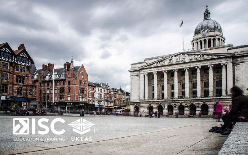 Quảng trường Nottingham là nơi diễn ra của nhiều hoạt động thú vị nơi đây